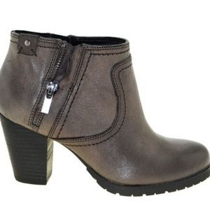 8 Clarks Artisan Mission Halle Distressed Booties